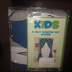 Kids 4 piece Window Set (shark)